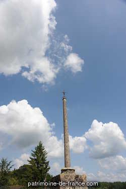 Croix de Cimetière rue de l'Eglise