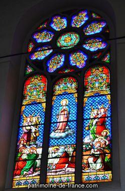 Patrimoine classé, étudié ou inscrit dit 'église paroissiale Saint-Jean-Baptiste' à hasparren (pyrenees atlantiques 64240). L'église d'Hasparren, bâtie sur les ruines du temple d'un autre culte, renfermait un monument assez curieux.