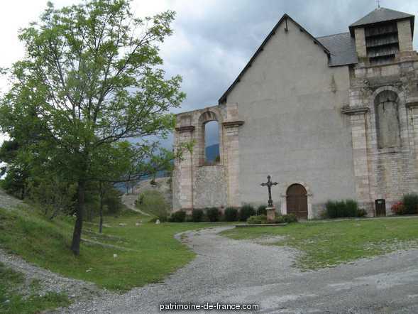 Eglise inachevée comprise dans l'ensemble architectural de la place-forte à Mont dauphin.