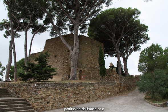 château des Seigneurs de Fos à Bormes les mimosas.