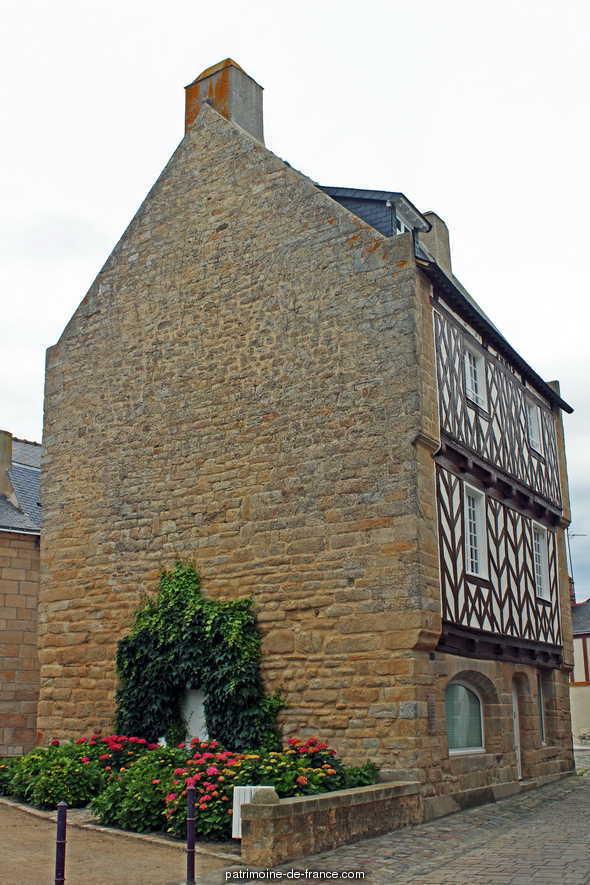 Maison 28 rue de l'Eglise à Le croisic.