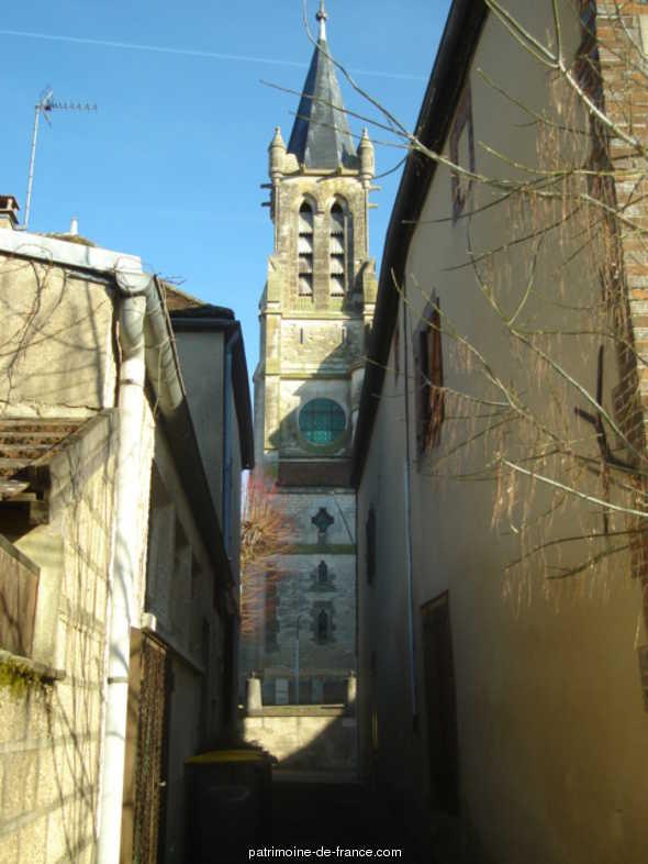 église paroissiale Saint-Martin à Aillant sur tholon.
