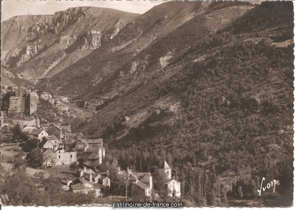 Château de Prades à Ste enimie.