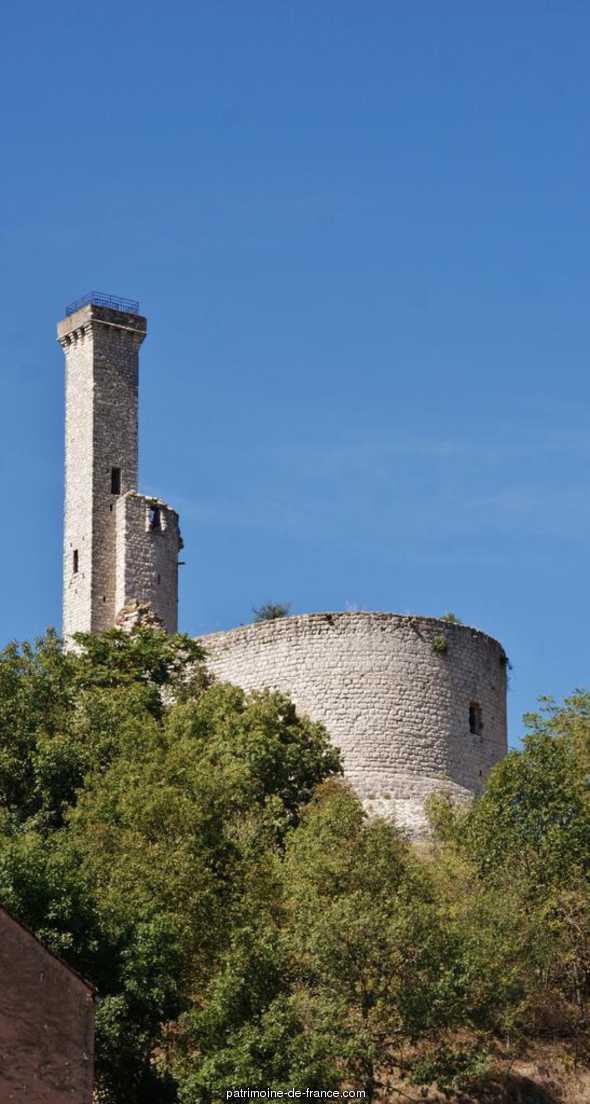 Castle (ruins), French Heritage monument to Castelnau de levis.