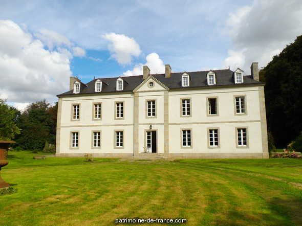 Château  lieu dit Kergoff à Goudelin.
