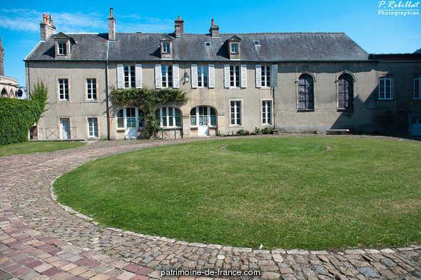 Ancien évêché à Bayeux.