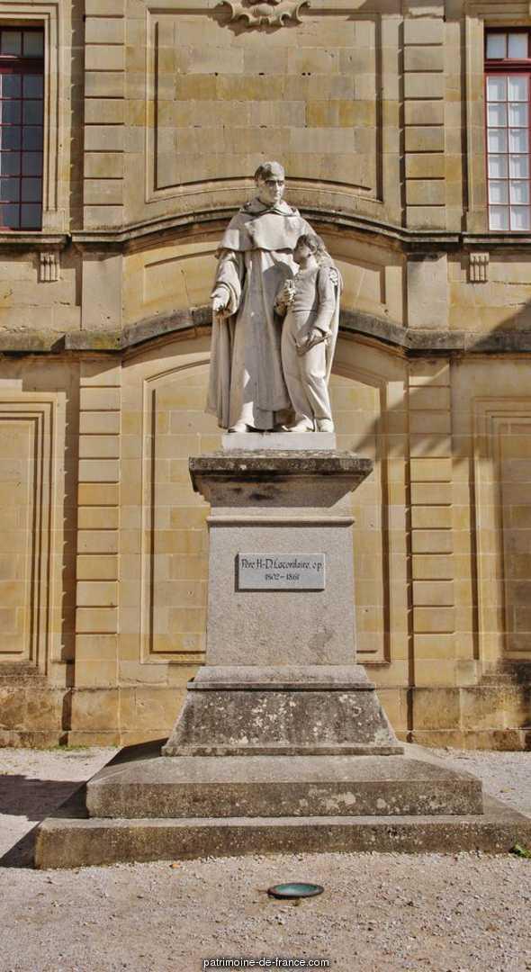 School, French Heritage monument to Soreze.