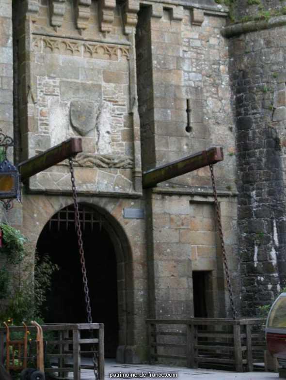 Remparts, enceinte de la ville et ses dépendances à Le mont st michel.
