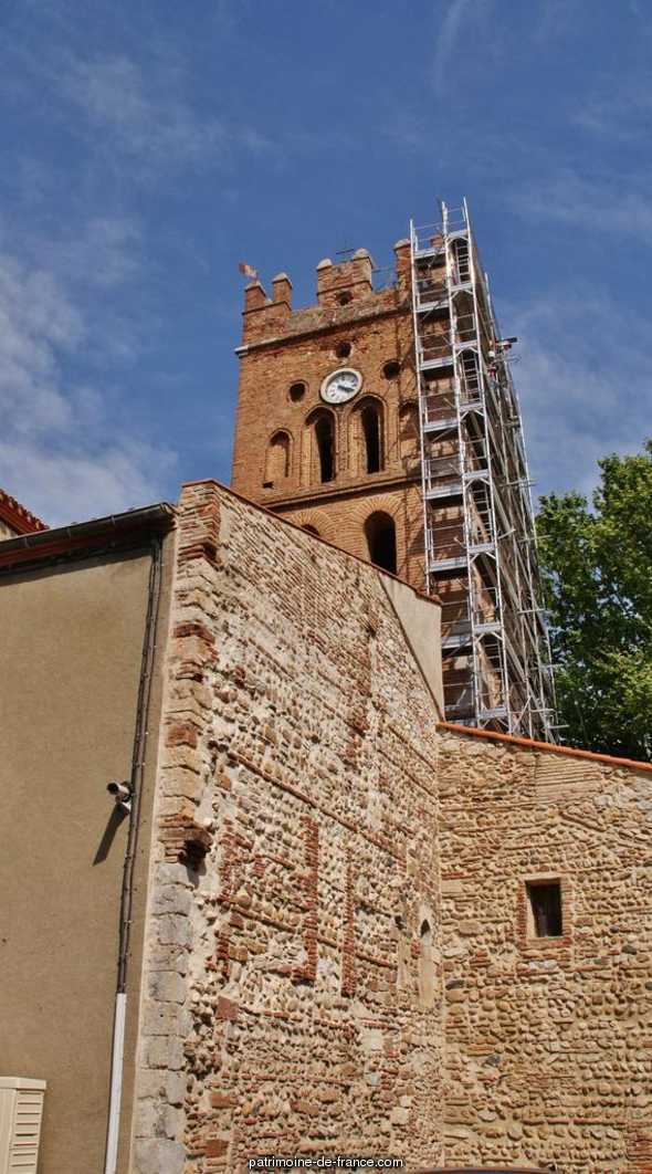 Church parish Saint Vincent, French Heritage monument to Claira.