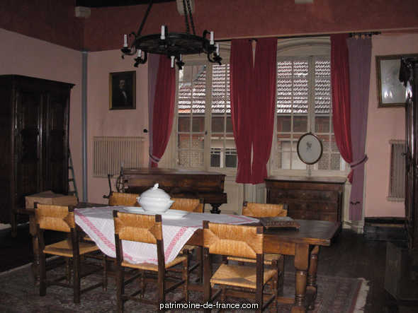 Hôtel de Conflans (ancien) à Gray.