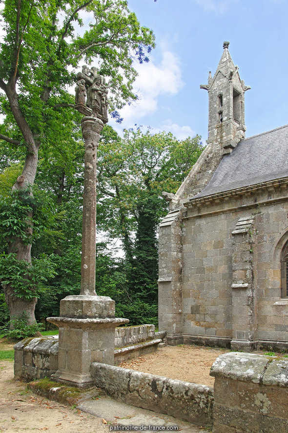 Chapel of Kerfons-Kerfaoues, French Heritage monument to Ploubezre.
