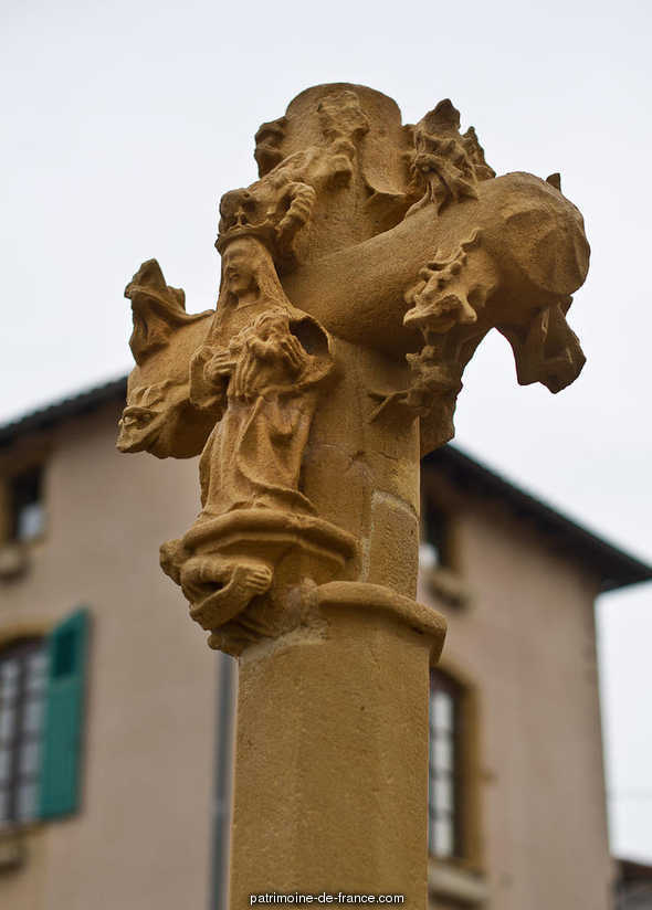 Cross, French Heritage monument to Sourcieux les mines.