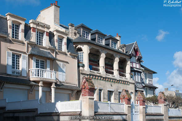 Travellers Hotel said Bellevue hotel, currently house the Javotte, French Heritage monument to Lion sur mer.