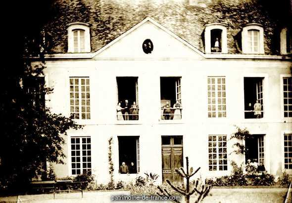 Château  lieu dit l'Auberdière à Boce.