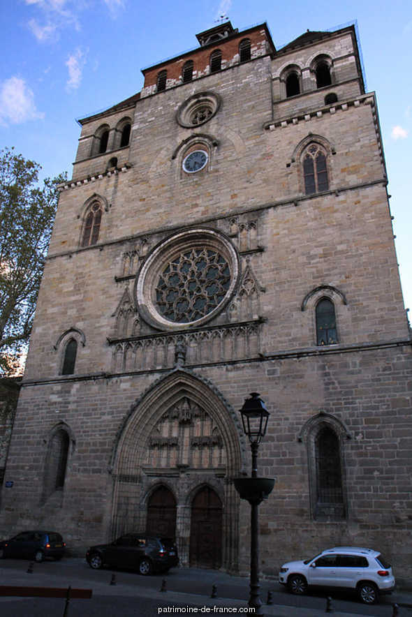 St. Stephan's Cathedral, French Heritage monument to Cahors.