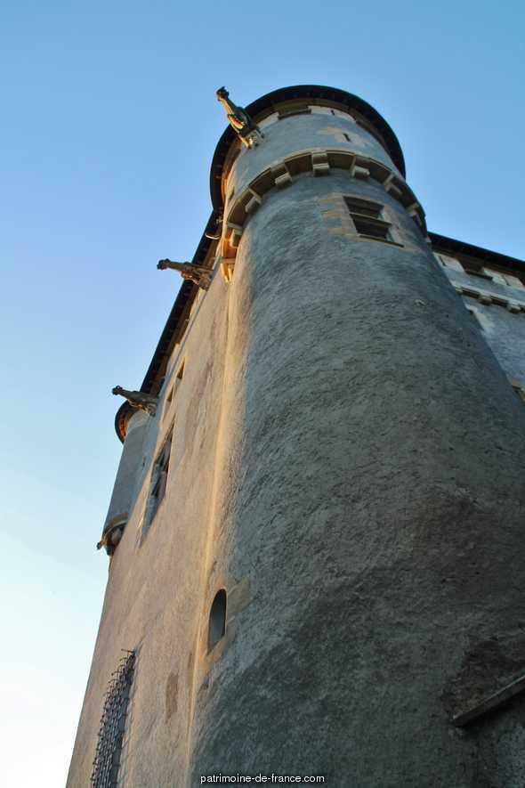 Château de Murol ou de la Tour Fondue à St amant tallende.