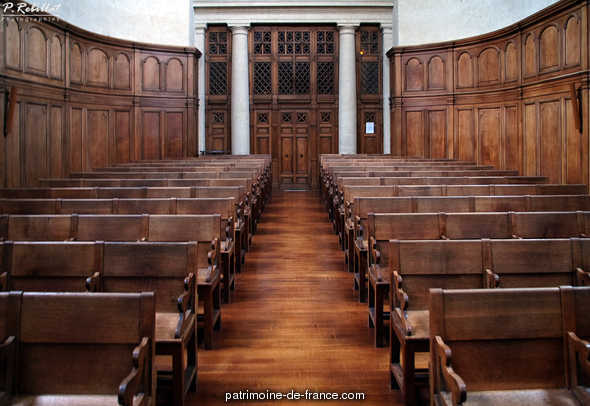 Abbaye de Penthemont (ancienne) , actuellement ministère des anciens combattants à Paris 7eme arrondissement.