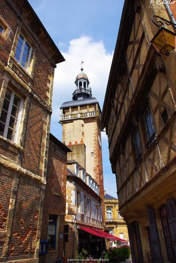 Tour de l'Horloge dite Jacquemart à Moulins.