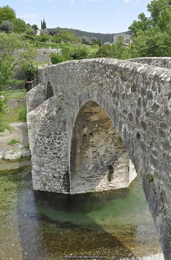 Pont dit Pont des Camisards à Mialet.