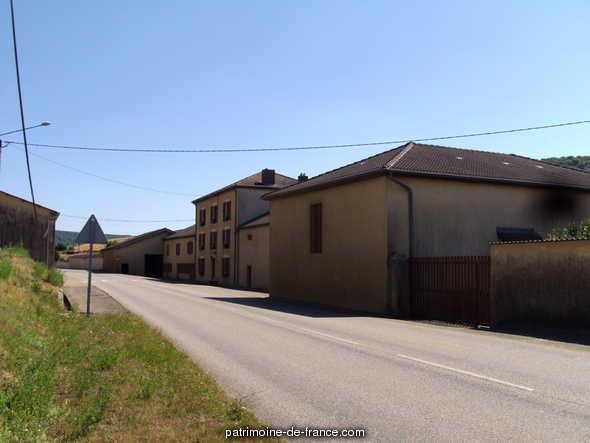 moulin à blé dit Moulin de Bauland, corroierie à Waville.