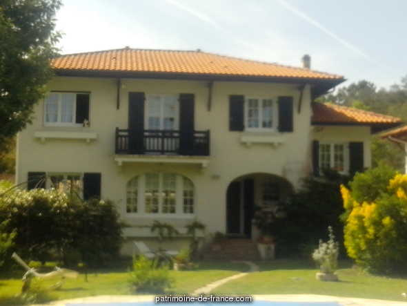 So-called holiday house villa Copihue, French Heritage monument to Soorts hossegor.