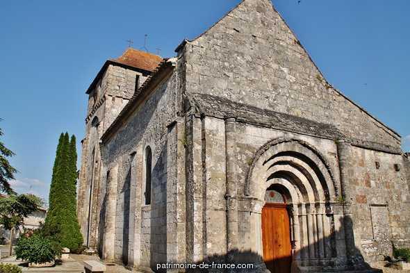Eglise à St michel de montaigne.