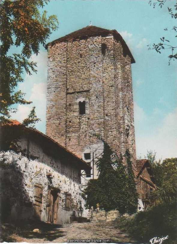 Tower of Echizadour, French Heritage monument to St meard.