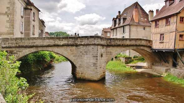 Pont sur la Terrade à Aubusson.