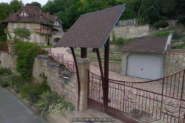 Maison dite Castel Val à Auvers sur oise.