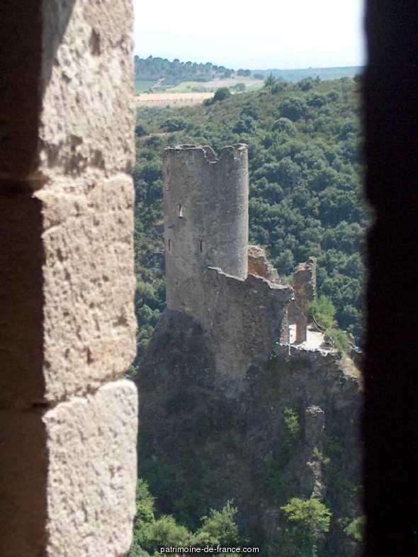 Quatre châteaux (ruines) à Lastours.