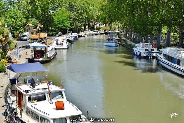 Canal du Midi, French Heritage monument to Capestang.