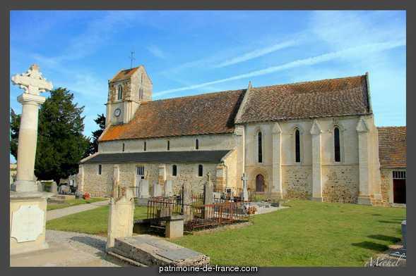 Eglise Saint-Aubin à Acqueville.