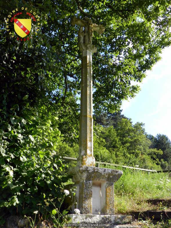 Croix de chemin Sur le chemin d'Autigny à Montigny