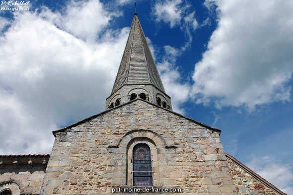 Saint-Martin Church, French Heritage monument to Ygrande.