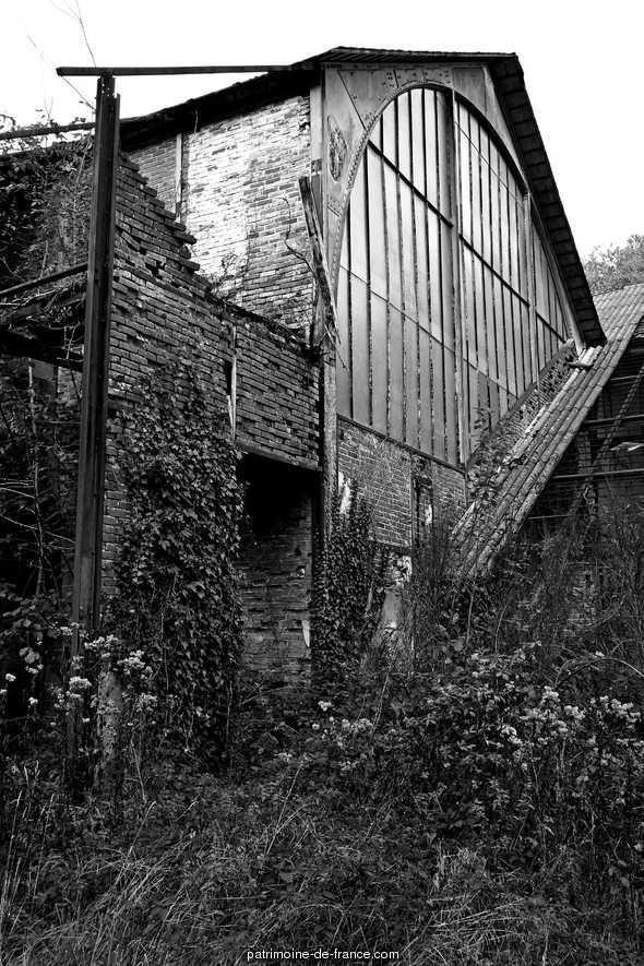 Usine à tanin d'écorce de châtaignier à St denis des murs.