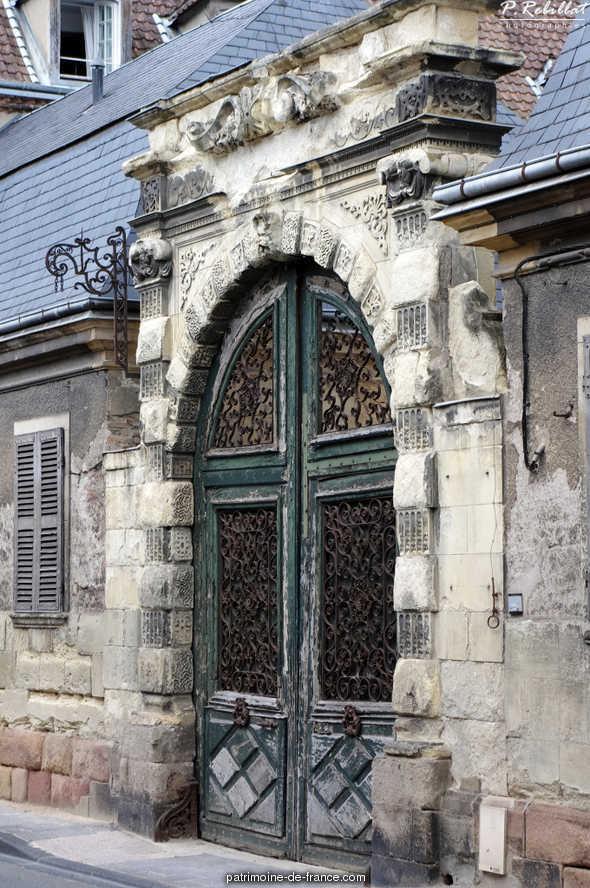 Hôtel de Chavagnac à Moulins.