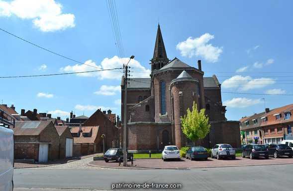 Eglise paroissiale Saint-Venant à Ballan mire.