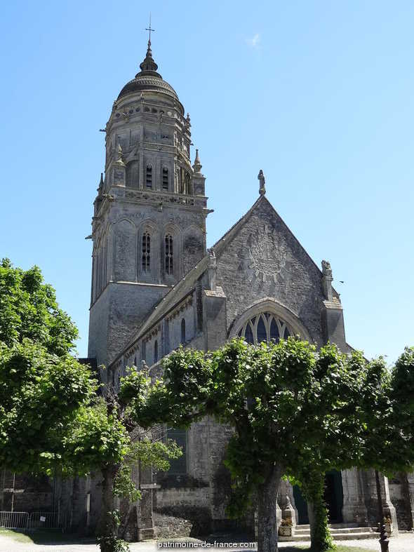 Church and its place, French Heritage monument to Ste marie du mont.
