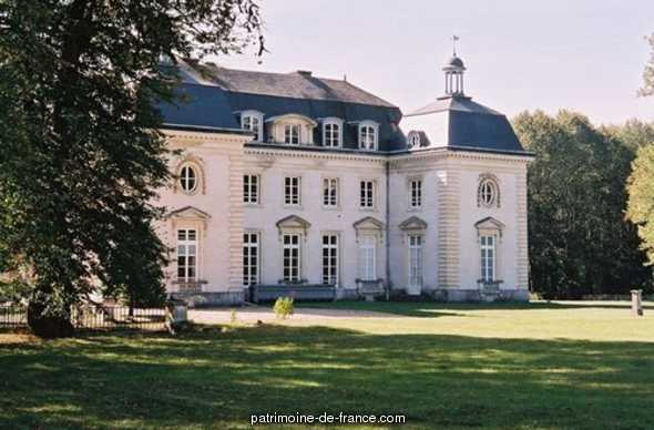 Château of Buisson-de-Mai, French Heritage monument to St aquilin de pacy.