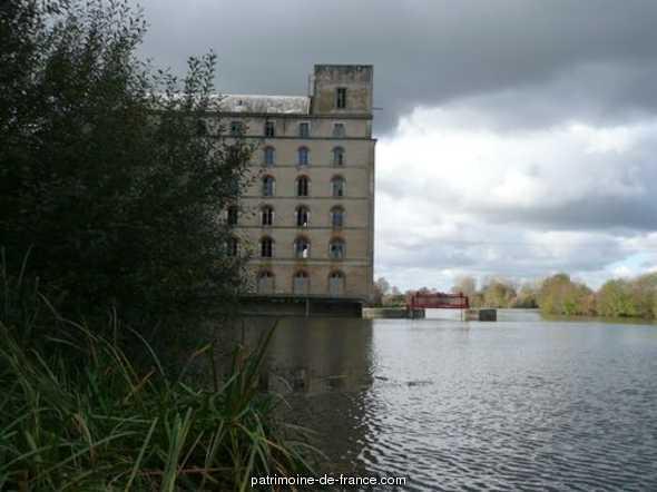 moulin à blé dit le Grand-Moulin à Morannes.