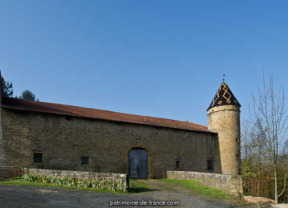 Castle of Courbeville, French Heritage monument to Chessy.