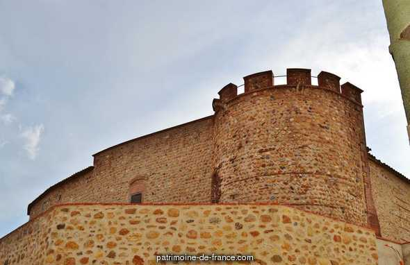 Castle, French Heritage monument to Peyrestortes.