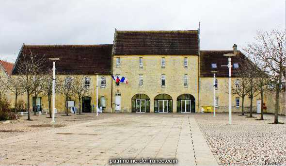 Ferme Saint-Bernard aujourd'hui Hôtel de ville
