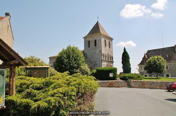 Church Saint-Pierre de Carsac, French Heritage monument to Carsac de gurson.