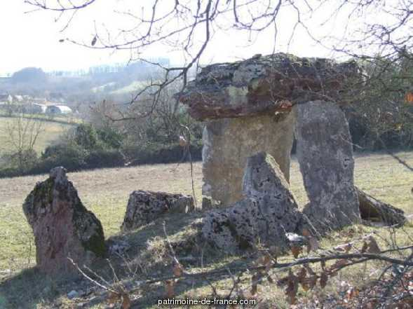 The Cloups dolmen, French Heritage monument to Ginouillac.