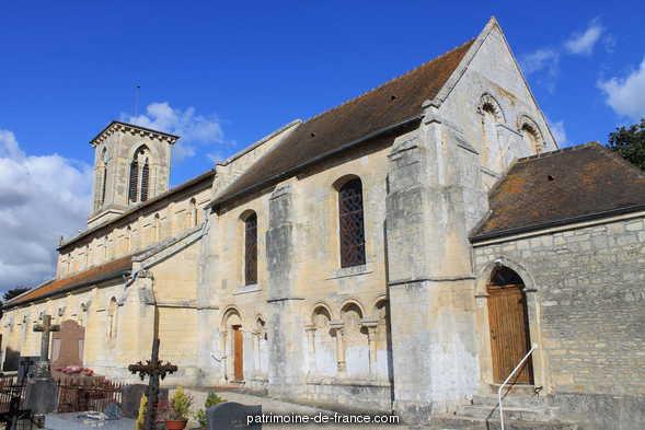 Eglise à Moult.
