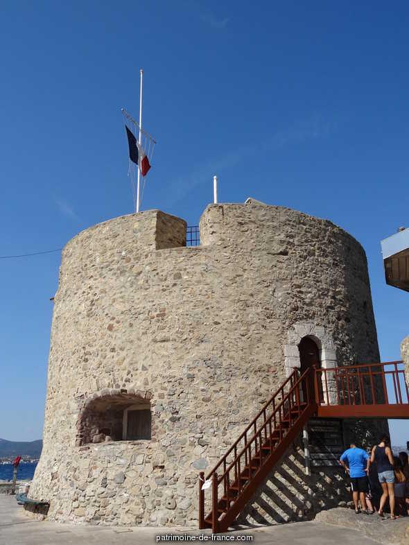 ouvrage fortifié dit tour Portalet à St tropez.