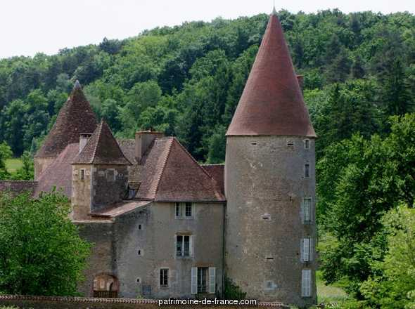Castle of Nobles to La-Chapelle-sous-Brancion.