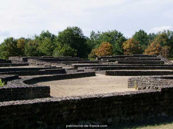 Cherré Gallo-Roman Theatre, French Heritage monument to Aubigne racan.