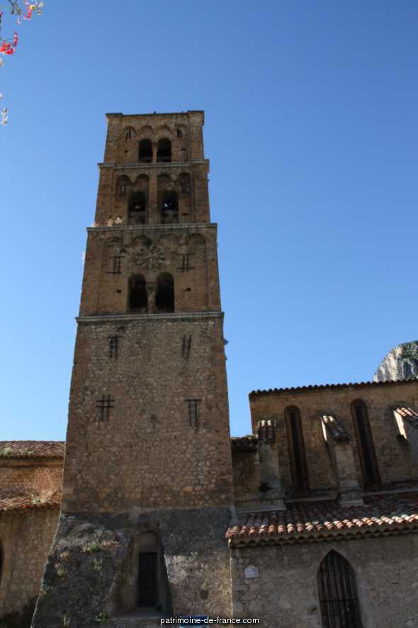 Church, French Heritage monument to Moustiers ste marie.
